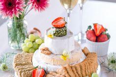 Kinuskinen Raparpericrumble   Annin Uunissa Birthday Cake, Table Decorations, Desserts, Food, Tailgate Desserts, Birthday Cakes, Deserts, Essen, Dessert
