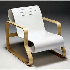 Artek Alvar Aalto - Paimio Scroll Chair 41 Aalto's intriguing and most famous chair, the 41 Paimio armchair can be found in numerous museums including the Museum of Modern Art. The laminated birch frame is bent into a unique closed curve suppor. Alvar Aalto, Design Furniture, Furniture Styles, Chair Design, Furniture Ideas, Modern Furniture, Furniture Inspiration, Design Inspiration, Design Ideas