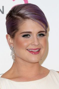 Kelly Osbourne at Elton John's AIDS Foundation Oscar soiree. Glimpse all the Oscars after-party hair and makeup here: