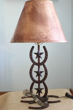 Western Lamp Horseshoe and Spur by asoutherngirlshop on Etsy - Home Decor Pin Western Lamps, Western Rooms, Western Decor, Country Decor, Rustic Decor, Western Style, Horseshoe Projects, Horseshoe Crafts, Horseshoe Art