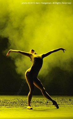 IGONE DE JONGH (chor. David Dawson) Dutch Nat'l Ballet