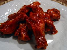 Suicide Chicken Wings … cups hot sauce (Frank s red) 2 tbsp garlic powder … - Healthy Recipes! Chicken Wing Sauces, Baked Chicken Wings, Chicken Wing Recipes, Cola Chicken, Chipotle Chicken, Roast Chicken, Fried Chicken, Spicy Recipes, Cooking Recipes