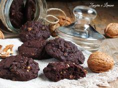 Questi biscotti con interno morbido sono dei dolcetti facilissimi da preparare ed anche molto veloci. Perfetti serviti sia a colazione che a merenda.