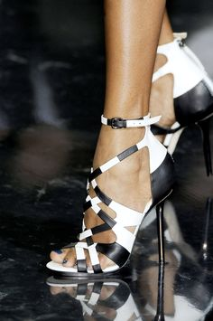 Gwen Stefani continued to illustrate her love of patterns with this black and white print multi-strap heel.