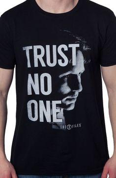 Trust No One X-Files T-Shirt: The X-Files Mens T-shirt