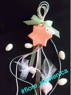 Χειροποίητο σαπουνάκι αστεράκι με 6 ακτίνες Έξτρα αρωματικά σαπουνάκια σε σχήμα αστεράκι με 6 ακτίνες για μπομπονιέρες βάπτισης ή αναμνηστικά δωράκια. Διαθέσιμο σε ότι χρώμα και άρωμα επιλέξετε. Christmas Ornaments, Holiday Decor, Home Decor, Decoration Home, Room Decor, Christmas Jewelry, Christmas Baubles, Christmas Decorations, Interior Decorating