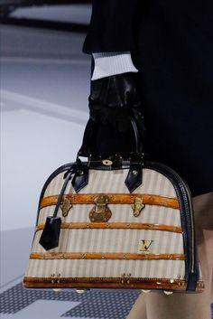 LOUIS VUITTON AW 18-19 Louis Vuitton Handbags Black 9c4b69095fdd2