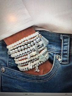 Memory Wire Jewelry, Memory Wire Bracelets, I Love Jewelry, Jewelry Design, Jewelry Making, Stacking Bracelets, Beaded Jewelry, Handmade Jewelry, Beaded Bracelets
