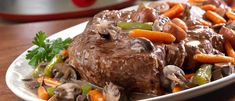 Get ready for the Ultimate Slow-Cooked Pot Roast. This juicy slow cooker beef recipe will have your mouth watering just reading the recipe. Make this slow cooker pot roast for a holiday or special occasion and make it one your guests will remember. Crock Pot Slow Cooker, Crock Pot Cooking, Slow Cooker Recipes, Cooking Recipes, Kitchen Recipes, Jenny's Kitchen, Oven Cooking, Cooking Ideas, Pot Roast Recipes