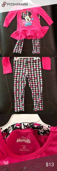 Disney Minnie - 2 Piece Set - Worn Twice  - 2T Disney Minnie - 2 Piece Set - Worn Twice - 2T - Excellent Condition Disney Matching Sets