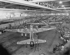 Vickers Wellington Air Force Bomber, Air Force Aircraft, Ww2 Aircraft, Wellington Bomber, Plane Photos, Lancaster Bomber, Air Fighter, Ww2 Planes, Dog Fighting