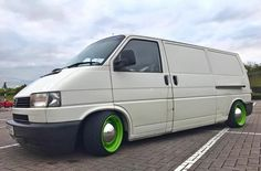 Volkswagen Transporter T4, T4 Camper, Vw Crafter, Van Camping, Cars And Motorcycles, Cool Cars, Vans, Buses, Vehicles