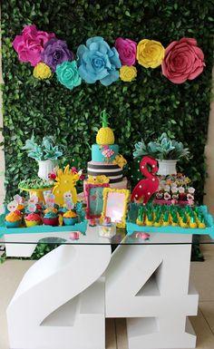 Birthday decorations adultos women 15 ideas for 2019 Pink Flamingo Party, Flamingo Birthday, Aloha Party, Luau Party, Party Decoration, Birthday Decorations, 10th Birthday Parties, Tropical Party, Moda Tropical