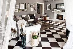 Salón con suelo en ajedrez