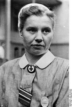 DRK-Schwester mit EK II. German Red Cross nurse with Iron Cross II.
