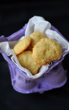 Csak a Puffin ad Neked erőt: sajtos keksz My Recipes, Snack Recipes, Favorite Recipes, Snacks, Naan, Cookie Jars, I Foods, Cheddar, Chips