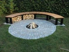Do you want to know how to build a DIY outdoor fire pit plans to warm your autumn and make s'mores? Find 57 inspiring fire pit ideas in this article. Fire Pit Bench, Fire Pit Seating, Diy Fire Pit, Fire Pit Backyard, Fire Pits, Gazebo With Fire Pit, Seating Areas, Outdoor Firewood Rack, Firewood Holder