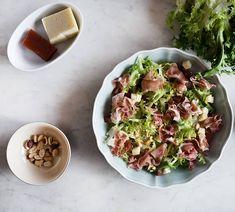 """Elena Aymerich on Instagram: """"ENSALADA DE JAMON QUESO Y MEMBRILLO:  Ingredientes:  1 escarola 50 g de jamón serrano 50 g de dulce de membrillo 50 g de queso manchego 2…"""" Queso Manchego, Sprouts, Potato Salad, Potatoes, Vegetables, Ethnic Recipes, Instagram, Food, Salads"""
