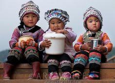 Hani children, Yuanyang, China / Art Wolfe