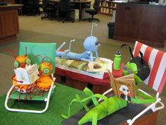 """Amazing paper & Styrofoam """"reading bugs"""" library display (website has more photos and information about the creator)"""