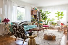 great mix of vintage, refurbished and new pieces to create a comfy living room