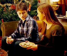 harry potter and the prisoner of azkaban harry Harry Potter Ginny Weasley, Harry Potter Movies, Harry Potter World, Hermione Granger, Prisoner Of Azkaban, Fantastic Beasts And Where, Hogwarts, Fandoms, Google Search