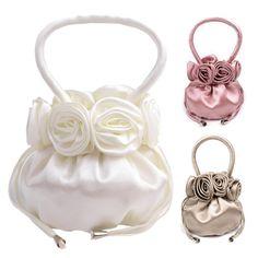 Bezaubernde Handtasche mit Rosen-Applikationen - von lesara.de.