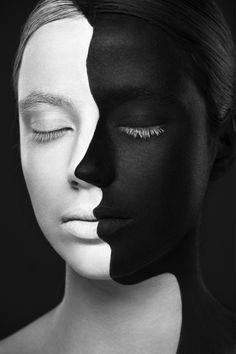 Kahlil Gibran and Alexander Khokhlov | Tristezza.  Quelli che sognano li riconosci, hanno negli occhi un velo di tristezza. Hanno la malinconia addormentata agli angoli della bocca, hanno l'aria di chi cerca ma non trova. Sognare è faticoso, sognare non è da tutti. È per le persone coraggiose, sognare. Susanna Casciani
