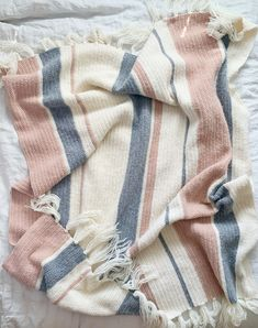Hello—Nicolina here with a pattern for striped throw! I love randomly mixed striped blankets and to switch things up, I… The post Crochet Herringbone Half Mixed Stripes Throw appeared first on Daisy Farm Crafts. Knit Or Crochet, Crochet Crafts, Crochet Home, Crochet Stitches, Crochet Projects, Crochet Baby, Easy Crochet, Modern Crochet Patterns, Crochet Blanket Patterns