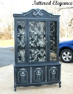 Tattered Elegance: ASCP Graphite China cabinet, like this base colour Recycled Furniture, Furniture Projects, Furniture Making, Antique Furniture, Diy Furniture, Kitchen Furniture, China Hutch Decor, China Cabinet Redo, Painted China Cabinets