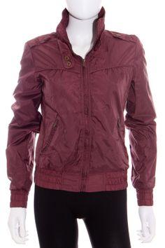Chaqueta barata del armario Mary Joe http://www.ropasion.es/producto/chaqueta-mujer-bershka