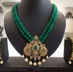 In this collection we have listed most beautiful and amazing gemstone necklace design ideas for your inspiration. These gemstone necklace designs are the best for your wedding, party or other festival. Pearl Necklace Designs, Beaded Jewelry Designs, Gold Jewellery Design, Bead Jewellery, Jewelry Patterns, Beaded Necklace, Gemstone Necklace, Emerald Jewelry, Gold Jewelry