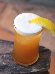 Harvest Moon  1.5 oz Jim Beam Devil's Cut Bourbon  0.5 oz peach liqueur  3 oz lemonade  2 oz Blue Moon beer (or hard cider for more tartness)  Garnish: lemon wedge    Directions: Combine bourbon, peach liqueur and lemonade in a cocktail shaker. Top with ice and shake vigorously. Strain into an ice-filled cocktail glass. Top with beer and stir well. Serve with lemon wedge.