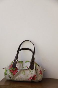 Handbag with flowers. MC + pattern.  1 more tutorial  http://www.liveinternet.ru/users/orhideya6868/post164079801/