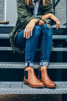 boots, boots, boots! love the overall color scheme; the cuff of the jeans adds extra flavor too!