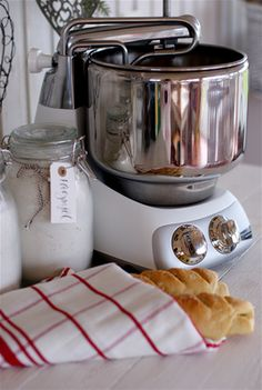 Assistent / Ankarsrum Küchenmaschine das Original aus Schweden.