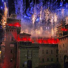 FIREWORKS ON THE CASTLE FOR THE LAST DAY OF THE YEAR...INCENDIO DEL CASTELLO PER L'ULTIMO GIORNO DELL'ANNO