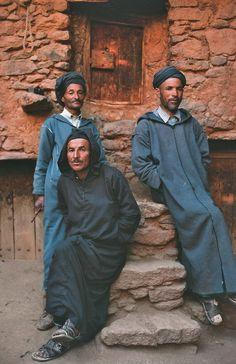 Maroc, les montagnes du silence.textes de Tahar Ben Jelloun, photographies de Philippe Lafond. Editions Chêne, 2004.