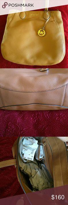 Mk bag ANI 100℅  leather bag, lovely color, soft elegant good size bag Michael Kors Bags Totes