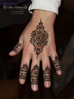 #henna #tattoo #berlin #neukölln #cabomalerei #hennaberlin #hand #natural #mehndi #mehandi #bodyart #bodypainting #cabo #malerei #füße #hände #brown #braun