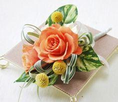 生花ならではの華やかさ・存在感あるコサージュ!|総合アクセサリーコレクション