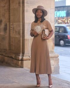 Loving this nude fit on Easter Sunday church approved! Loving this nude fit on Modest Outfits, Classy Outfits, Modest Fashion, Chic Outfits, Modest Clothing, Fashion Outfits, Fashion Tips, Modest Wear, Classy Fashion