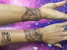 Dotwork mandala wrist tattoo. Done by Mel van Hel, Lingen (Germany)
