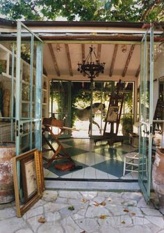 a backyard studio with a horse in the back. photo by kelly harmon. I think it would make a great music studio! My Art Studio, Dream Studio, Home Studio, Studio Studio, Studio Spaces, Painting Studio, Studio Ideas, Backyard Studio, Garden Studio