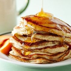 Sorry baby brother, but your pancakes are no longer the best pancakes I've ever had. I just finished making (and eating) the fluffiest, tastiest pancakes using the Best buttermilk pancakes recipe. Banana Oatmeal Pancakes, Buttermilk Pancakes, Fluffy Pancakes, Pancakes And Waffles, Peach Pancakes, Keto Pancakes, Waffle Recipes, Brunch Recipes, Healthy Breakfasts