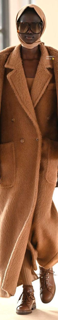Max Mara Fall 2021 RTW Couture Fashion, Fashion Show, Capsule Outfits, Italian Fashion, Fashion Labels, Coat Dress, Top Coat, Max Mara, Business Fashion