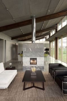 Interior aspect of the Glass Farmhouse in Oregon USA by Olson Kundig Architects