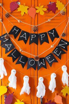 Diy Deco Halloween, Diy Halloween Dekoration, Halloween Tags, Halloween Crafts For Kids, Halloween 2020, Holidays Halloween, Kids Crafts, Halloween Office Decorations, Diy Halloween Banner