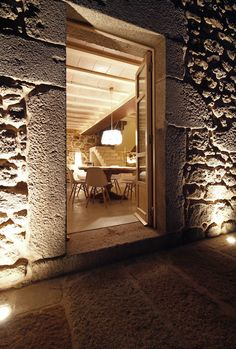 Gallery of Stone Respect / Dom Arquitectura - 5
