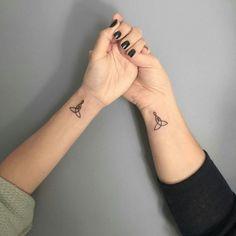The cute mini tattoos are now conquering the tattoo scene! - New best - The cute mini tattoos are now conquering the tattoo scene! Tattoo Kind, Ink Tatoo, Tattoo Mama, Yogi Tattoo, Couple Tattoos Love, Family Tattoos, Love Tattoos, Tattoos For Guys, Mini Tattoos